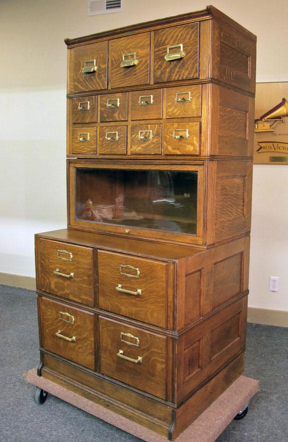 Yawman & Erbe Quartersawn Oak Stacking 5 Section File Cabinet