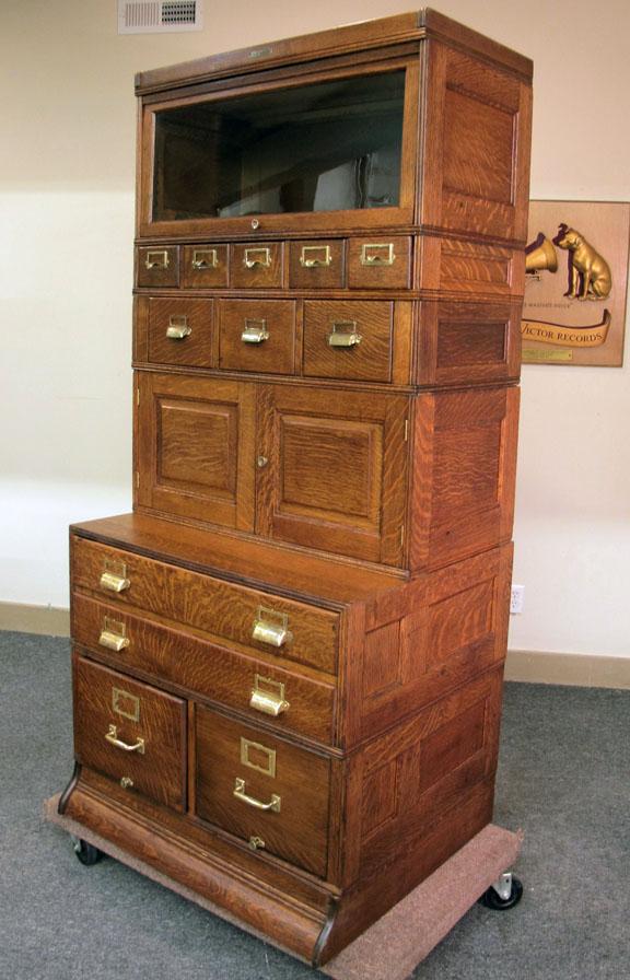Yawman & Erbe Quartersawn Oak Stacking 6 Section File Cabinet